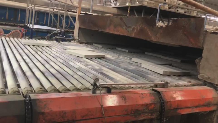 易胜博公司瓷砖生产过程